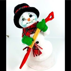 Annalee Snowman with Shovel